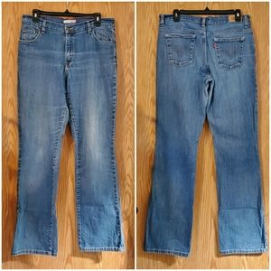 12 L Levi's 550 relaxed boot cut